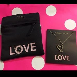 New Victoria's Secret Love necklace gift